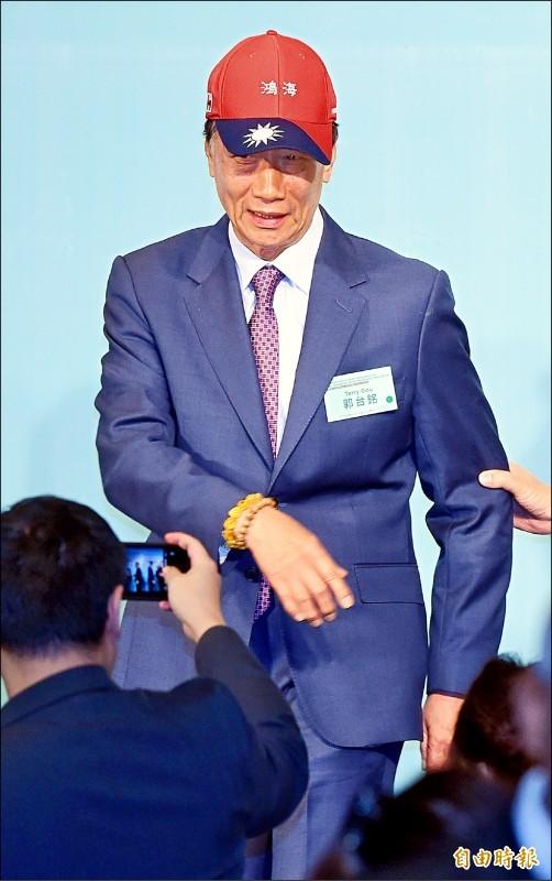 鴻海董事長郭台銘被媒體追問是否參選總統,他直言「這幾天將做決定。」(記者廖振輝攝)