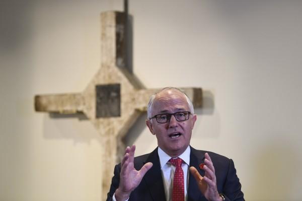 澳洲總理滕博爾(見圖)昨天用中文嗆中國,「澳大利亞人站起來(了)!」(歐新社)