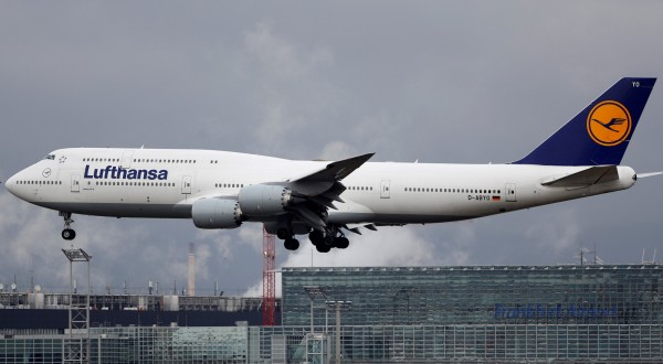 德國漢莎航空公司指控一名男乘客買了轉機機票卻未搭乘最後一段航程,違法條款因而向乘客求償7.3萬元。(路透)