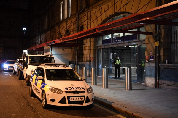 英國曼徹斯特的維多利亞車站在跨年夜出現隨機刺殺事件。(法新社)