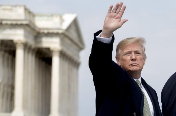 美國白宮當地時間16日下午5點14分發新聞稿表示,川普總統已簽署台灣旅行法案。(歐新社資料照)