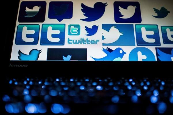 中國民眾使用推特(Twitter),紛紛遭到拘留、訊問、威脅。圖為中國電腦螢幕上的推特圖像。(法新社)