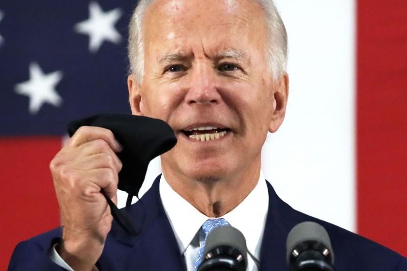 拜登指出,若他當選美國總統,將對中國祭出新一輪經濟制裁。(法新社)