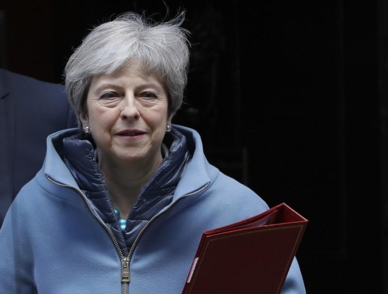 英媒指出,首相梅伊為了取得強硬派議員支持脫歐協議,疑似祭出「下台」條件。(美聯社)
