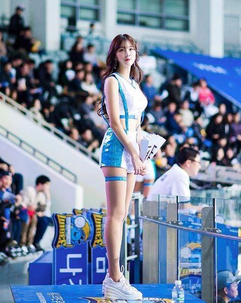 今年才22歲的安智賢,有著169公分、48公斤的好身材。(圖取自《IG》wlgus2qh)