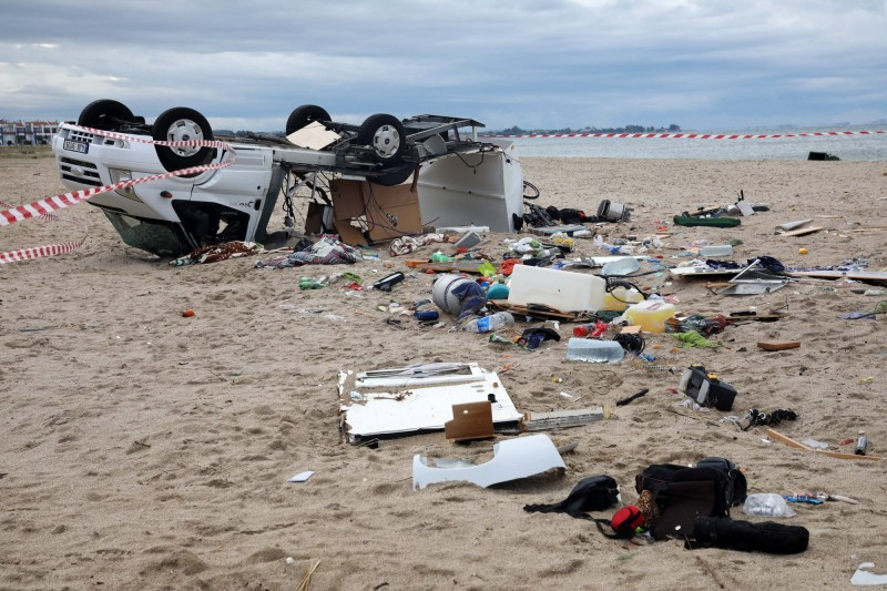 希臘哈爾基季基半島(Halkidiki peninsula)遭狂風、暴雨、冰雹襲擊,導致6名外國人喪命,另外還有100人受傷。(歐新社)