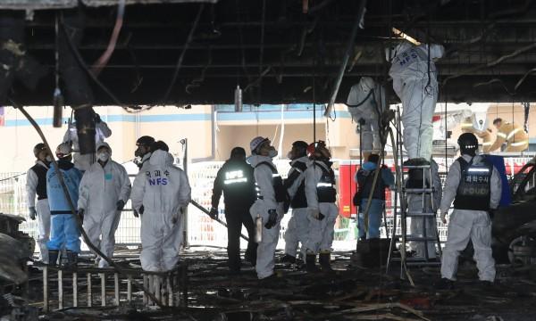 由於健身中心所在大樓管理人與持有者涉嫌違反消防規則而構成業務過失致死,26日遭到南韓警方逮捕。(資料圖,歐新社)
