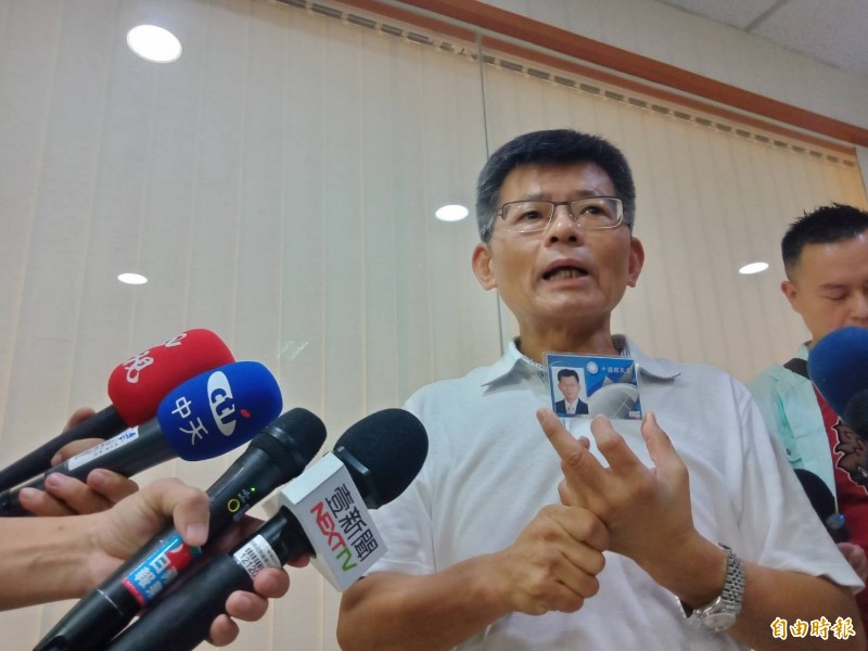 楊秋興認為,韓國瑜已被看破手腳民調不斷下降的情況下,棄保效應是一定會發生的,郭台銘先生是有很大機會嬴的。(資料照)