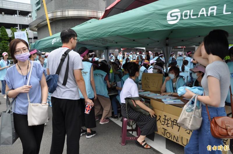 長榮空服罷工》旅行業反制 擬發起500人抗議長榮勞資
