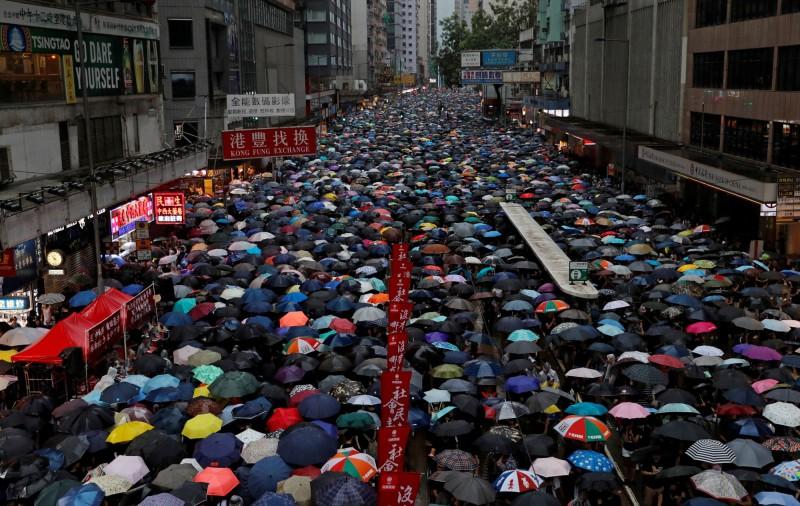 香港政府發聲明表示,「遺憾」民陣以針對警方的口號舉行集會。民陣隨即表示,「遺憾你個遺憾」。(路透)