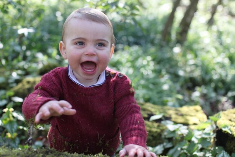英國威廉王子和凱特王妃的第3個孩子路易王子今天滿1歲。(歐新社)
