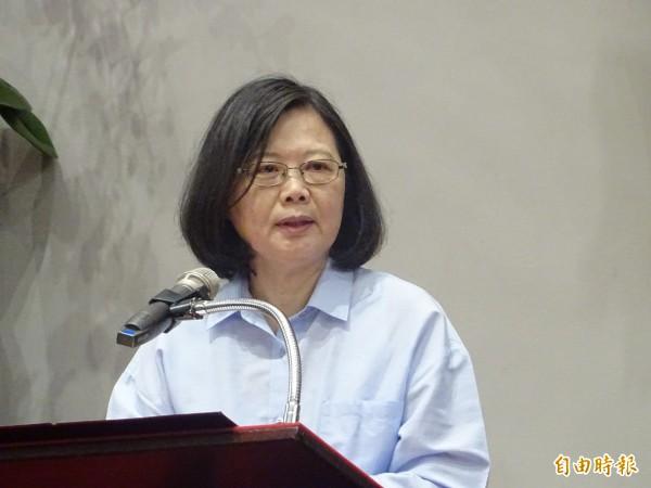 蔡英文今在臉書發文說,若台灣有需要時,「我們都是辣台派,該辣就辣」。(資料照)