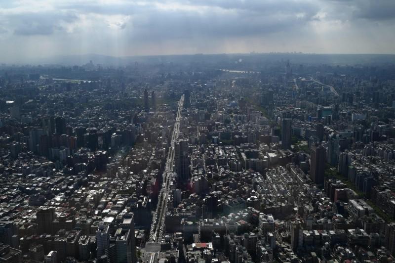 台北的安全指數在評比的60個城市中以82.5分排名第22名。(法新社)