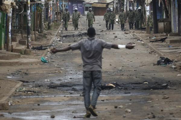 今年8月肯亞就因選舉發生暴群眾暴動,2007年時也因總統大選發生大規模暴動,當時全國的死亡人數將近1200人。(歐新社)