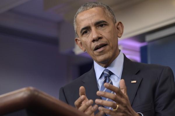 美國總統歐巴馬今天簽署「2017年國防授權法案」,打破美國1979年與中華民國斷交以來的軍事交流門檻。(美聯社資料照)