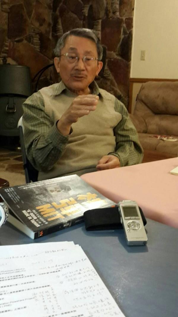 前中科院核研所副所長張憲義在1988年叛逃美國後,近照首度曝光,圖為張憲義在美接受學者陳儀深口述歷史訪談時的留影。(圖由陳儀深提供)