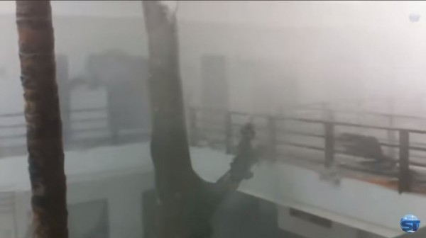 山竹颱風威力驚人。(圖擷取自Youtube)
