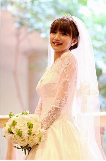 後藤真希去年與男友登記結婚,今年2月補辦婚宴。(取自網路)