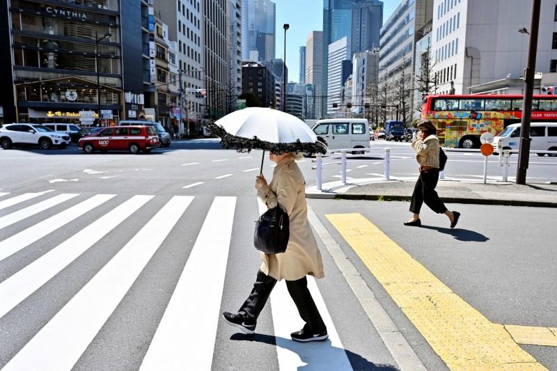 日本氣象廳今(26日)在北海道佐呂間町測得氣溫35.8度,創下北海道觀測史上5月最高氣溫,而且還是5月首次突破35度。(法新社)