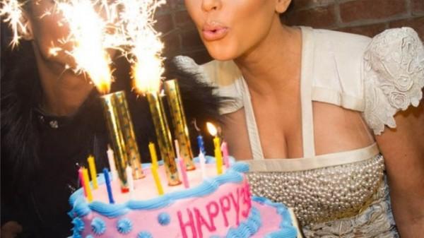 美國聯邦法院裁定,《生日快樂》歌曲屬於無任何保護的「公共領域」( public domain),這意謂著《生日快樂》不受智財權保護,以後任何人及店家播放這首歌時,再也不必付版權費。(美聯社)