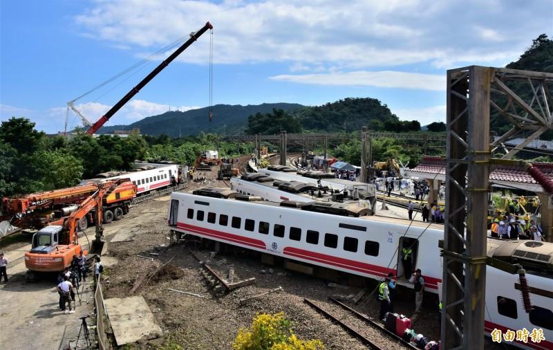 普悠瑪去年發生翻車事故,台鐵今公布普悠瑪列車222個錄音檔,內容確實未聽見司機通報關ATP。(資料照)