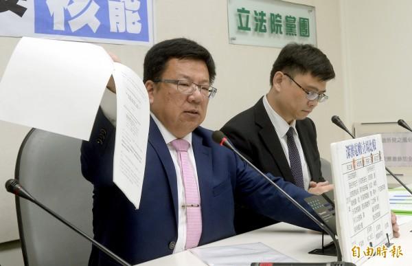 民進黨在選舉中大敗,立法院黨團幹事長李俊俋率先開炮,主張中生代提前全面接班。(資料照,記者林正堃攝)