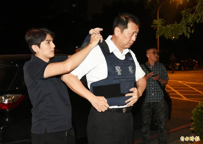 前鎮分局長林新晃拚治安親自披掛上陣。(記者張忠義攝)