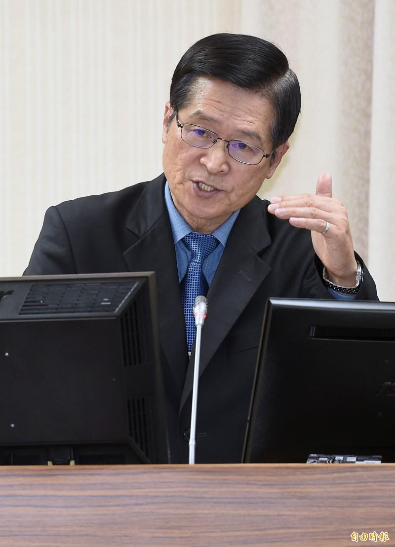 針對中國解放軍鷹派中將王洪光所言「3天拿下台灣」的網路報導,國防部長嚴德發嚴堅定地說:「不可能!」(資料照)