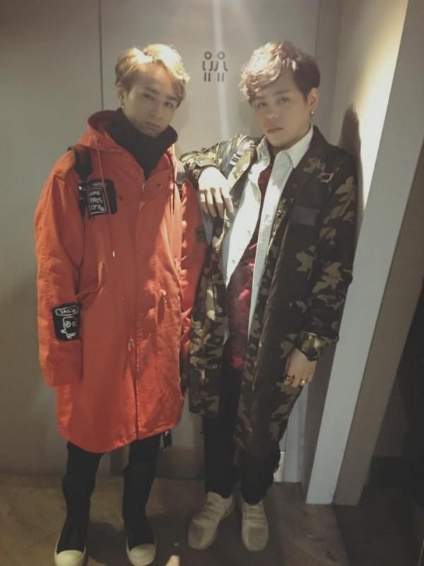 「Under Lover」團員楊琳(右)怒告東聲公司找大賀兄弟發行《癡情玫瑰花2.0》侵權。(記者黃捷翻攝)