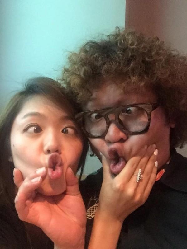 納豆和女友經常在臉書曬甜蜜合照。(取自臉書)