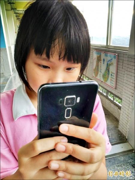 國健署委託台大調查發現,幼童使用3C產品比率高達44.9%。(記者鹿俊為攝)