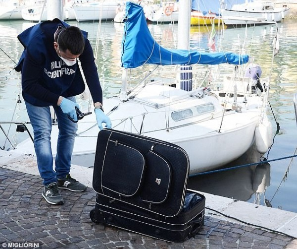 日前義大利里米尼港口發現的裝箱屍體,真實身分已水落石出。(圖擷自DailyMail)