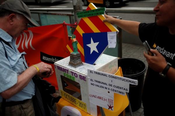 加泰隆尼亞將於當地時間10月1日舉行獨立公投,若公投成功進行並獲得成功,加泰隆尼亞最快將於48小時內宣布獨立。(路透)