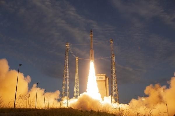 美國媒體爆料,有一批美製人造衛星被中國方面掌控,用以協助中國政府監督人民及支持軍事行動。此為人造衛星發射圖。(歐新社)