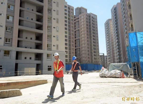 2017台北世界大學運動會選手村預計於今年底完成國宅主體建物建造。(記者黃耀徵攝)