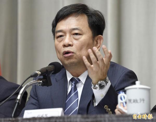 行政院副院長林錫耀今天表示,消保處每月例行訪查,針對17項民生商品的查價結果,反而發現有11項商品價格下跌,只有1項上漲超過3%。(資料照,記者陳志曲攝)