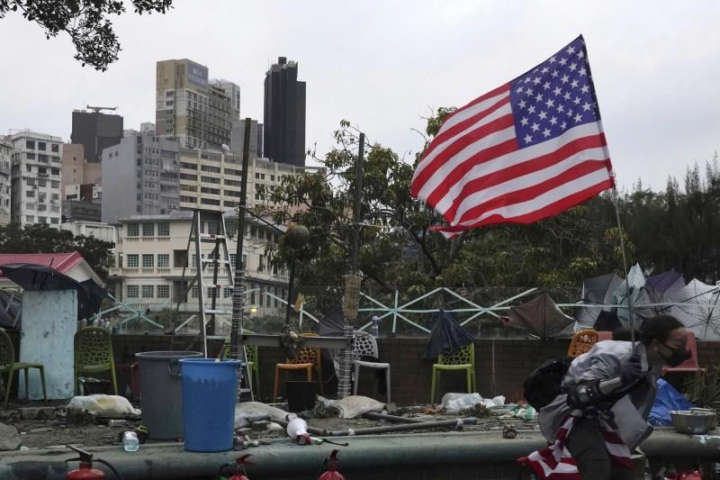 美參議院通過《香港人權民主法案》等案,中國外交部發言人耿爽表示,予以強烈譴責和堅決反對。(美聯社)
