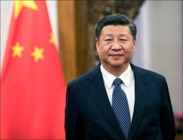 王丹認為,台灣明年大選要決定的,就是要不要向中國低頭。圖為中國領導人習近平。(歐新社)