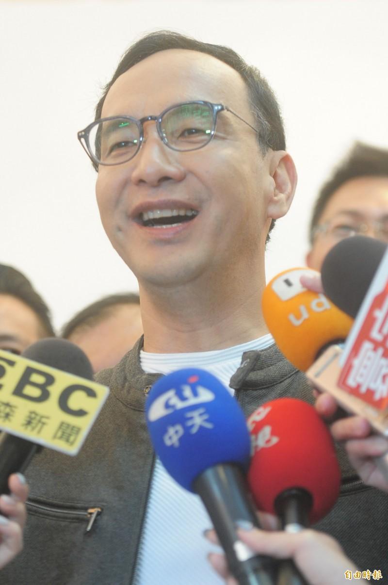 前新北市長朱立倫表示,如果黨中央確定徵召高雄市長韓國瑜,自己不但全力支持,也會呼籲「挺朱派」團結挺韓。(記者王藝菘攝)