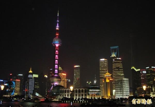 上海基本工資居全中國之冠,但只有不到台幣1.1萬元。(資料照)