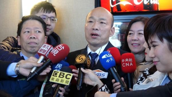高雄市長韓國瑜出訪美國,在波士頓的最後一個行程,原定在當地時間12日上午9時出席僑胞早餐會,卻因為巴士司機從旅館出發後迷航,讓韓粉苦等不到韓國瑜。(中央社)