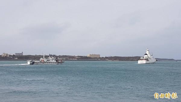 湖海巡隊10038艇今早發現中國籍「永興8號」運搬船越界,經初步清查船上載有10公斤豬肉。圖為澎湖海巡隊掃蕩中國漁船。(資料照,澎湖海巡隊提供)