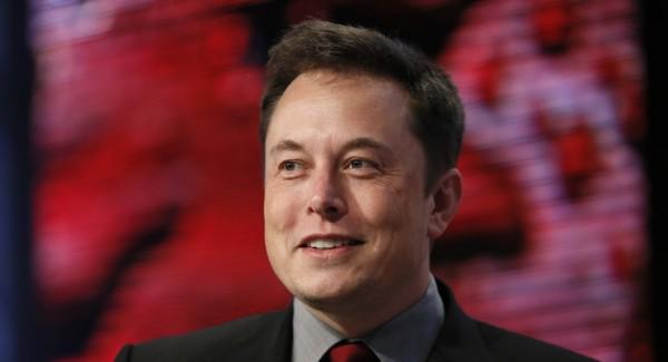 美國Space X公司創辦人馬斯克(Elon Musk)上週宣布將發射4000枚通訊衛星,進入距離地球約1207公里高的軌道中。(圖擷取自網路)