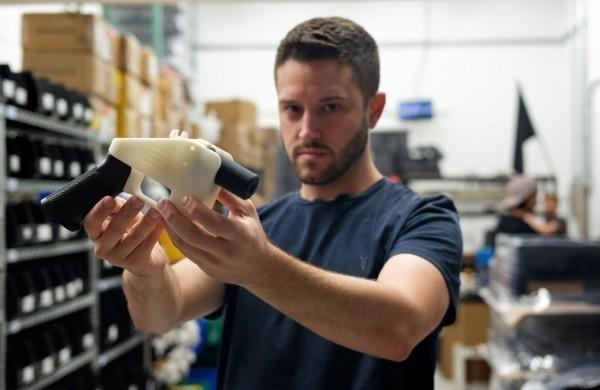 3D列印手槍發明人威爾森,涉嫌性侵一名16歲少女,遭到美國警方通緝,逃到台灣。(法新社資料照)
