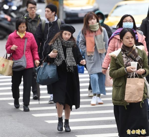 北台灣今起轉陰涼,迎風面地區有局部降雨機率。(資料照)