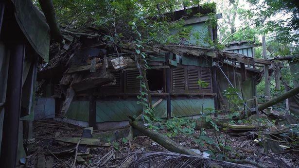 全球最大規模的美國佛州迪士尼樂園中,暗藏了一座荒廢20年的恐怖鬼島。(圖擷取自MattSonswa YouTube)