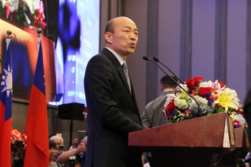 韓國瑜認為,郭台銘若是參選2020總統,「肯定是人心震撼」。(高雄市新聞局提供)