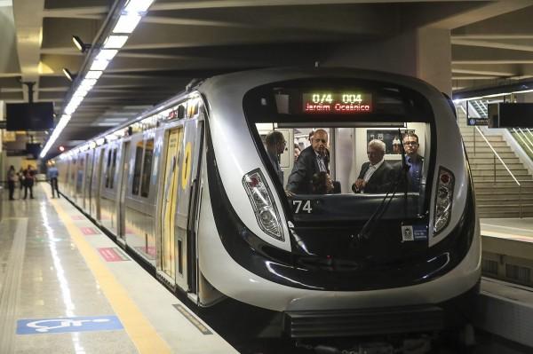 為奧運開通的里約地鐵4號線昨日通車,列車全部都是中國製造。(歐新社)