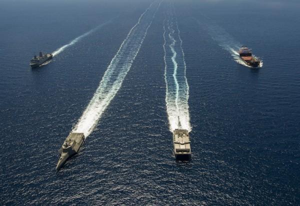美國聯邦眾議院通過2017年度國防授權法案,當中包含邀請台灣參與環太平洋軍事演習。圖為2014年環太平洋軍演。(法新社)