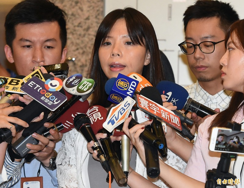 時代力量立委洪慈庸13日下午宣布退黨。(記者朱沛雄攝)